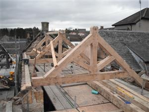 Oak trusses, Fife (21K)